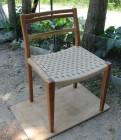 ペーパーコードを使用した繊細で洗練された椅子