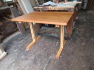 テーブル 07